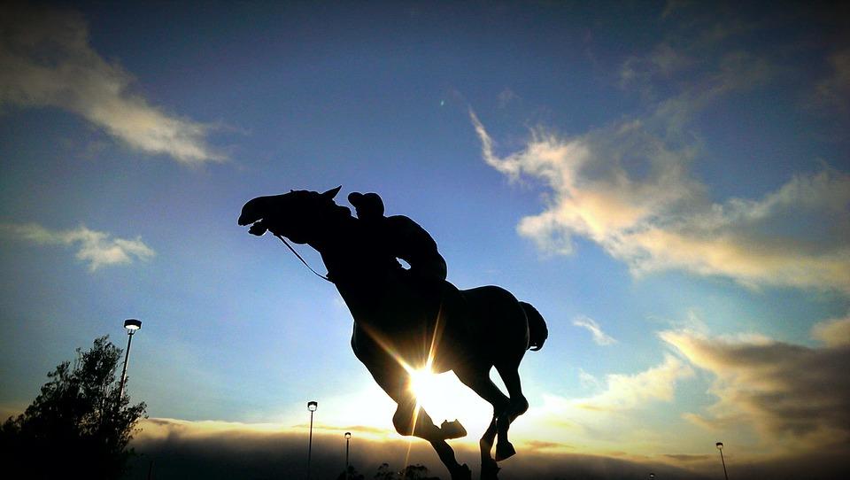 Reiter im Sonnenuntergang